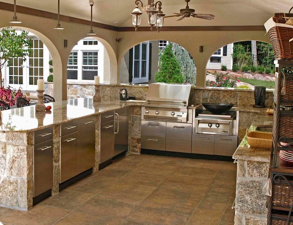 Granite Stone Outdoor Kitchen